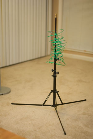 Insulated 12 Gauge Antenna on a Stand